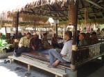 Makan Bersama di Restoran Racik Desa